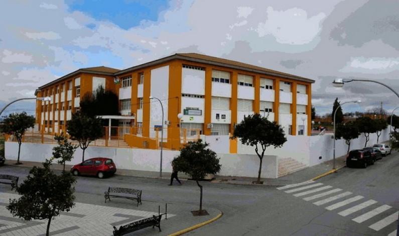Entrega de las calificaciones del primer trimestre en el Instituto de Bonares.