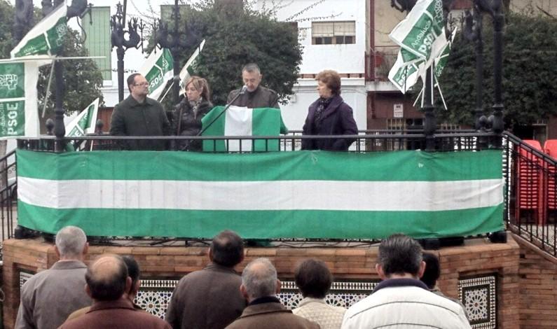 El PSOE- Bonares hace un llamamiento en defensa de Andalucia con una concentración en la Plaza de España.