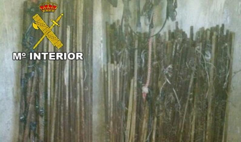 Detenido un individuo en Bonares por el robo de gavillas de hierro de una explotación agrícola.