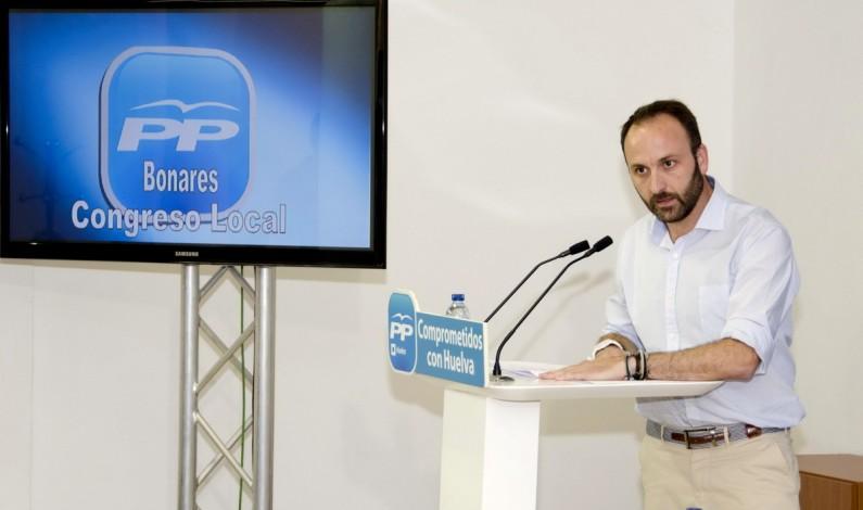 Santiago Ponce reelegido presidente del PP-Bonares en el último Congreso Local.