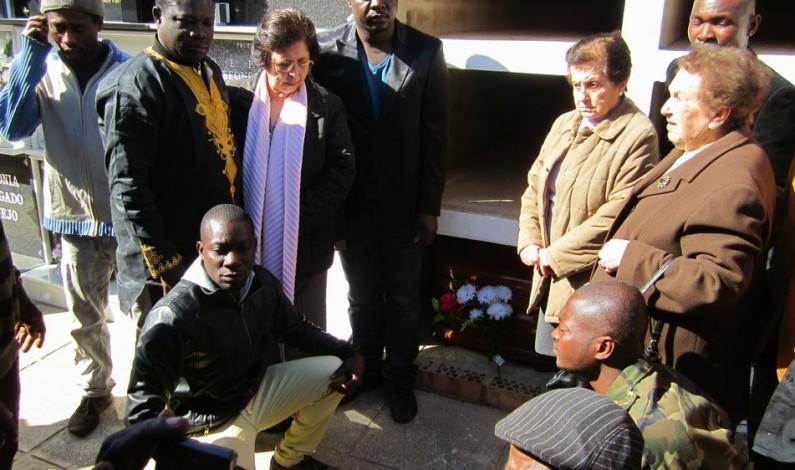 Isaac, de Ghana atropellado en la autopista, ha sido enterrado hoy.