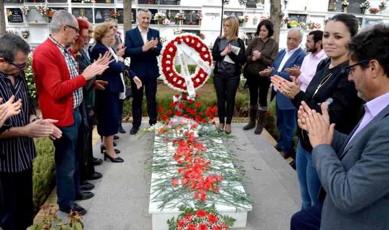 Los Ayuntamientos de Bonares y San Juan recuerdan a sus paisanos que lucharon por la libertad.
