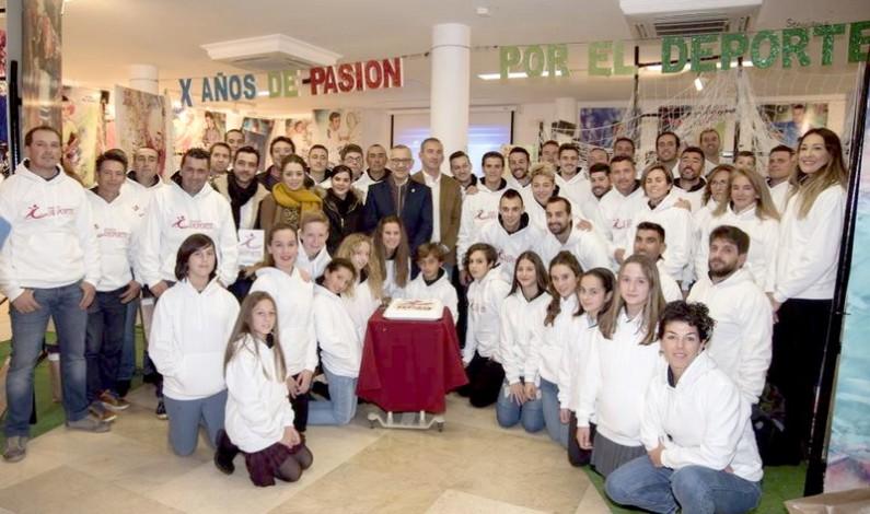 """Inauguración de la Exposición """"X Años de pasión por el deporte""""."""
