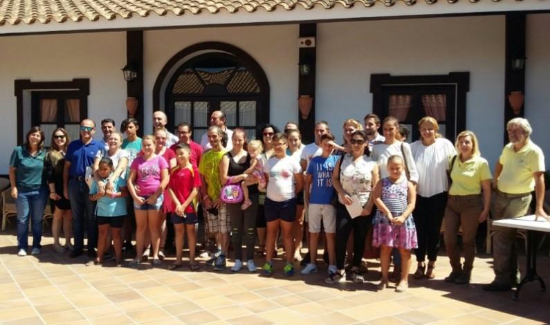 """Seis familias entre ellas una de Bonares disfrutarán de unas """"Vacaciones Solidarias""""."""