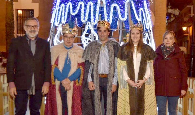 Coronados los Reyes Magos de Bonares.