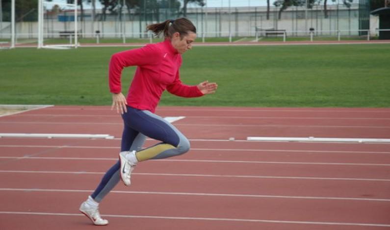 La bonariega Paqui Limón pulveriza el récord provincial y se proclama para el campeonato de España.