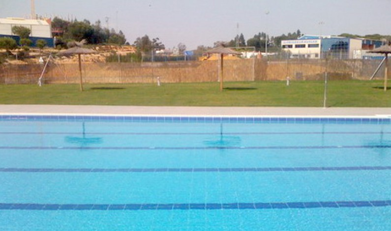 El PP-Bonares presenta moción a la gestión de la piscina municipal.