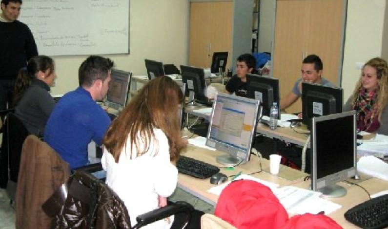 Fedeccon organiza cursos de Informática de usuario e Iniciación a la Red de Internet, en Bonares.