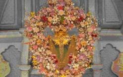 """La Cruz de la Calle El Pilar invita al Pueblo de Bonares a los tradicionales """"Dulces"""" del Domingo de Resurrección."""