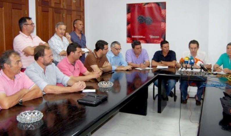 La Plataforma en Defensa de los Regadíos del Condado cita a más de 1.000 agricultores en Moguer.