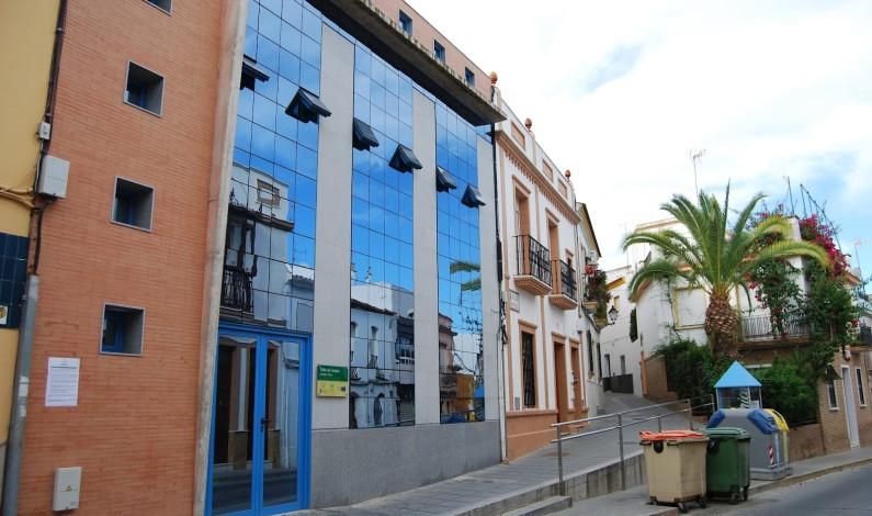 Se abre un nuevo CADE en Bonares, que prestará servicios a una población de 26.300 habitantes.