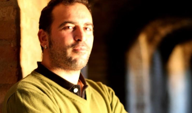 """Sergio Cruz expone en el Bar Triki de Bonares su """"Pasión Latente""""."""