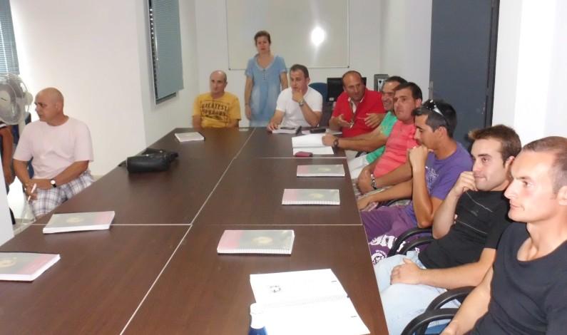 Coopinte organiza un Curso de Aplicador de productos fitosanitarios en Bonares.