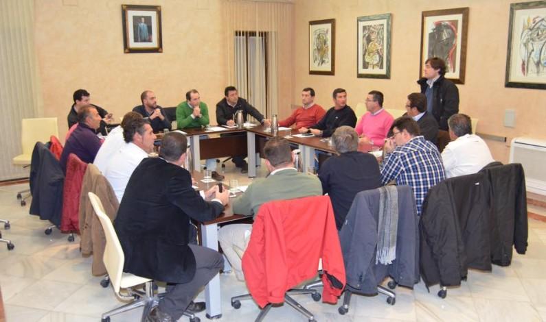 Agricultores y alcaldes protestarán ante el Consejo de Participación de Doñana por el cierre cautelar de pozos de riego, que se producirá este viernes.