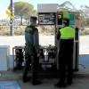 Detenidos dos individuos cuando robaban cable en la gasolinera de Bonares.