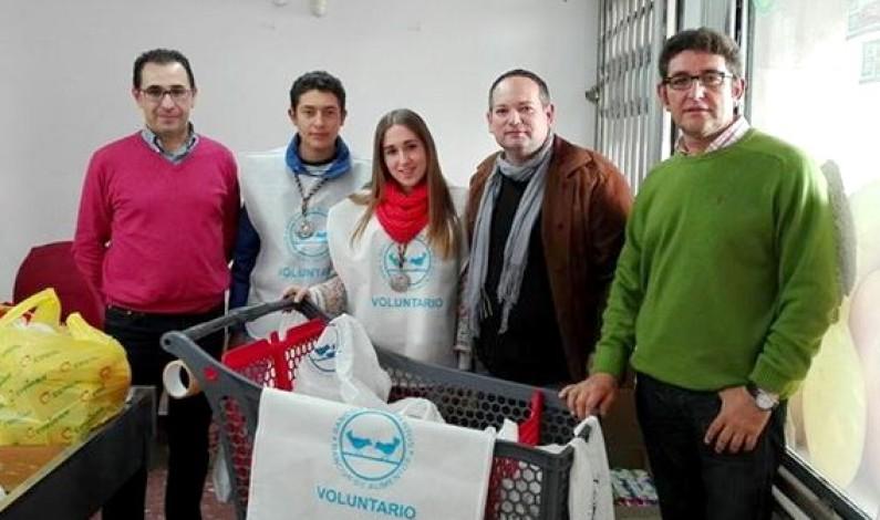 La hermandad de Nazarenos colabora en la Gran Recogida de Alimentos.