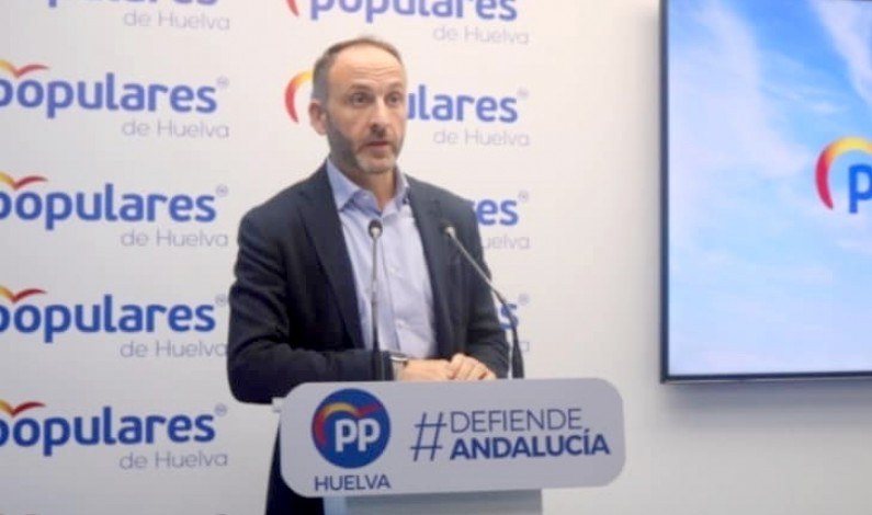 """El PP tilda de """"riesgo innecesario"""" que el alcalde de Bonares cite a 30 colectivos para darles una subvención."""