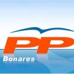 El PP Bonares denuncia que una deuda tiene paralizada las obras del campo de fútbol.