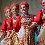 El domingo día 26 la danza de Siberia llenara de color la Plaza de España.