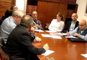 Momento de la reunión mantenida en el Parlamento de Andalucía.