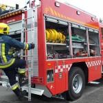 Trasladan a una familia al hospital por un incendio en una casa de Bonares.