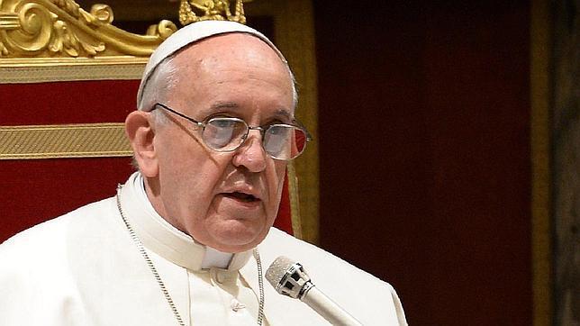 El Papa Francisco hizo las labores de monaguillo en una de las últimas misas antes de convertirse en Pontífice