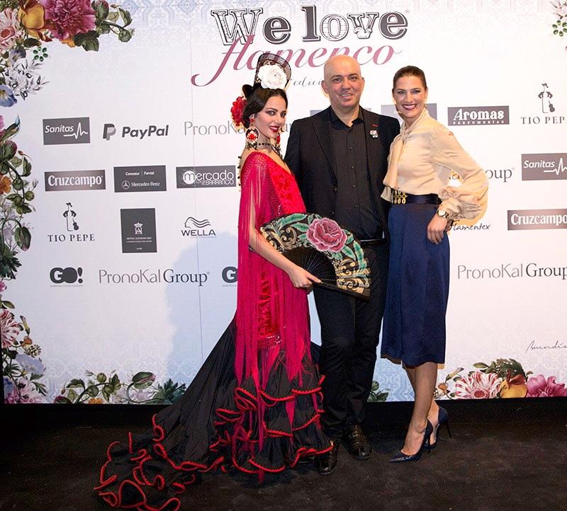 Antonio Moro junto a la modelo Laura Sánchez/ foto Aníbal González