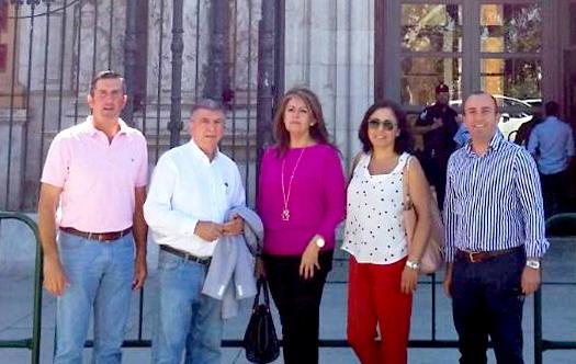 miembros de la plataforma se reúnen con Susana Díaz