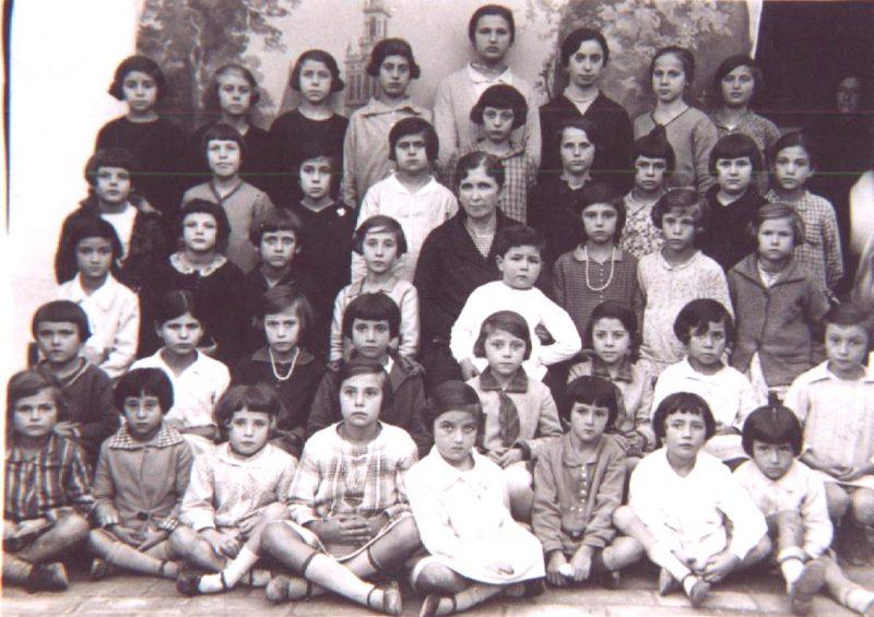 escuela de Bonares 1921