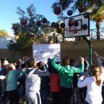 Comienza en Bonares la campaña de hábitos saludables con la fresa de Huelva y el baloncesto como protagonistas