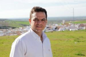 Eloy Brito, presenta  la renuncia  irrevocable a su Acta de Concejal.