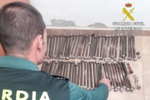 Recuperadas en una chatarrería de Bonares piezas metálicas robadas en Palos.