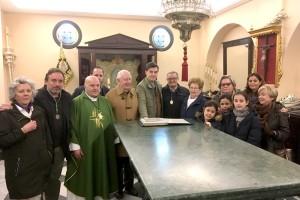 La familia Bueno Montes dona a la Hermandad Matriz el legado filatélico de don Antonio Bueno.
