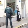 Desarticula una organización dedicada al robo en tiendas de telefonía móvil.