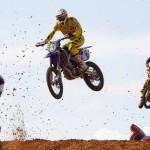Prueba puntuable en el circuito municipal de motocross.