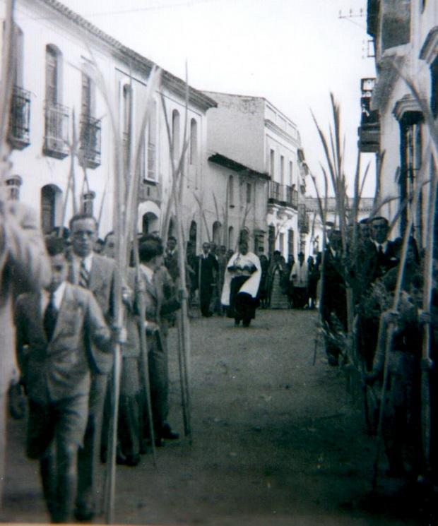 Domingo de Ramos en Bonares, años 40.