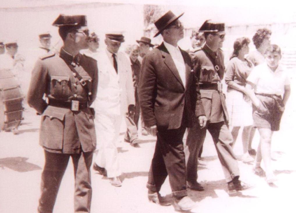 Julián Guzmán Prieto alcalde de Bonares en el año 1961.