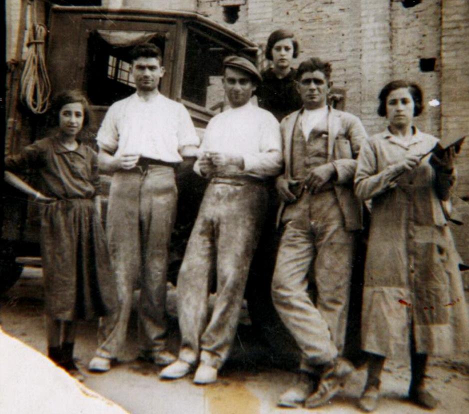 Trabajadores de la fábrica de ladrillos.