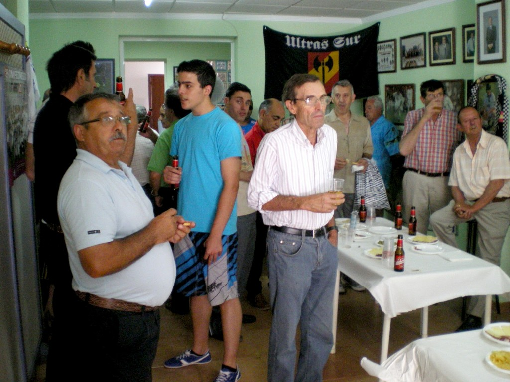 Muchos socios se acercaron a la sede para celebrarlo.