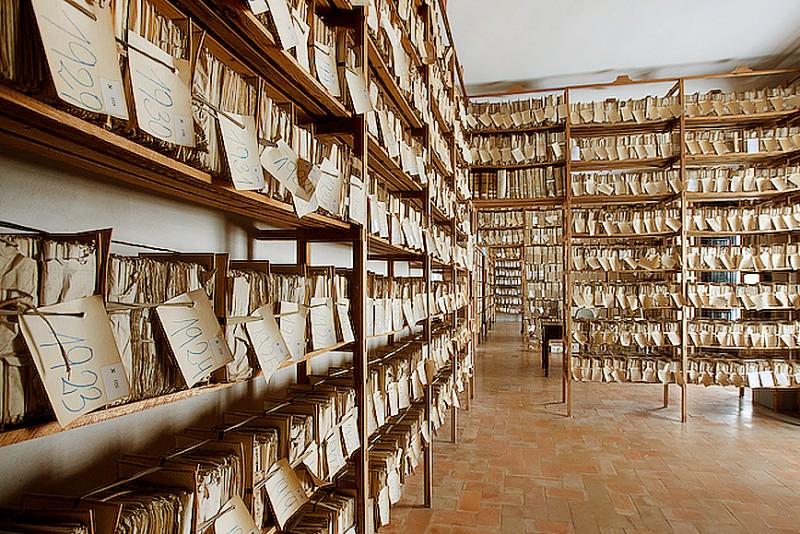 Deposito de legajos en el archivo de medinasidonia.