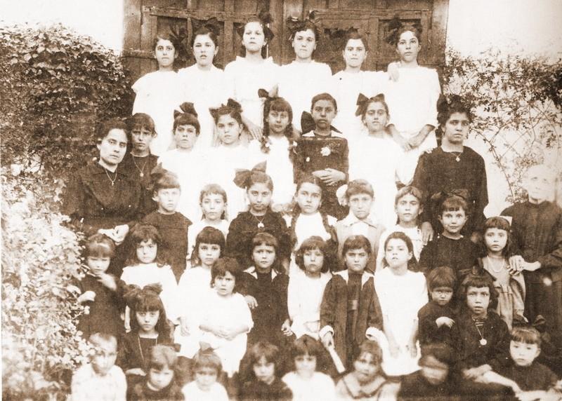 Adelaida Pérez Martín maestra de Bonares
