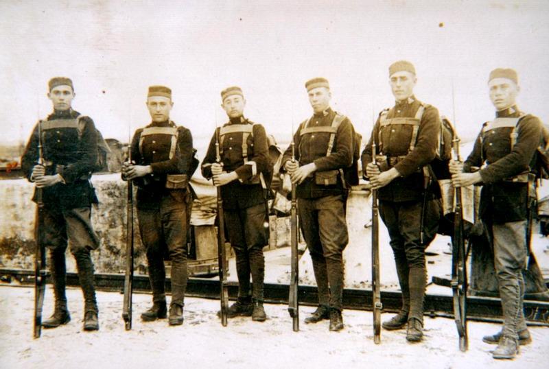 segundo por la izquierda Pedro Beltran